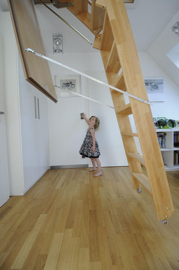 motorangetriebene dachbodentreppen jowi holz innenausbau gmbh dauerhafte treppenrenovierung. Black Bedroom Furniture Sets. Home Design Ideas