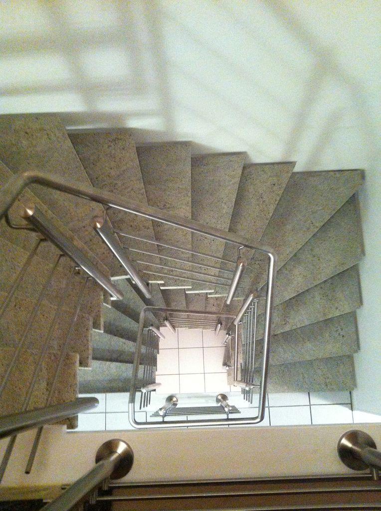 offene treppe jowi holz innenausbau gmbh dauerhafte. Black Bedroom Furniture Sets. Home Design Ideas