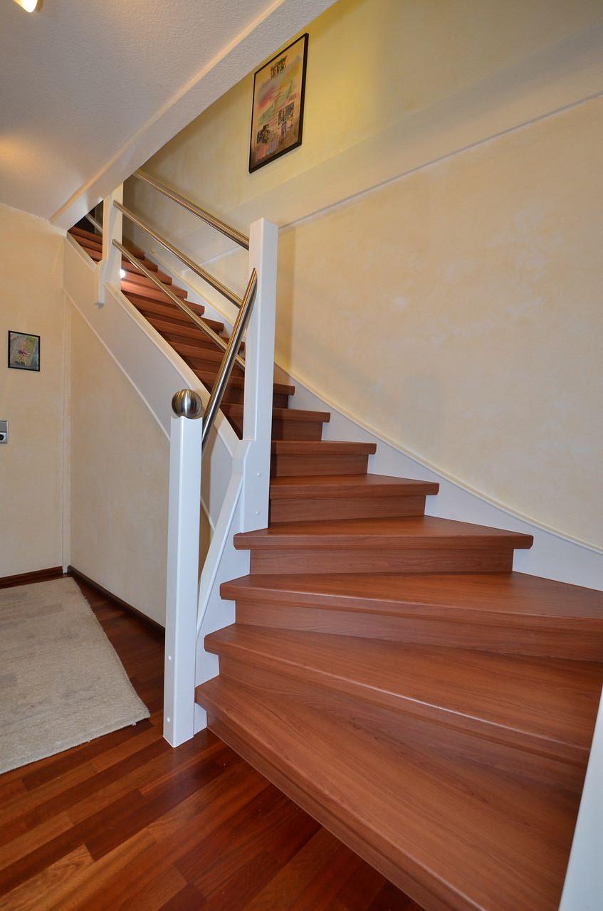 schutzgel nder jowi holz innenausbau gmbh dauerhafte treppenrenovierung. Black Bedroom Furniture Sets. Home Design Ideas