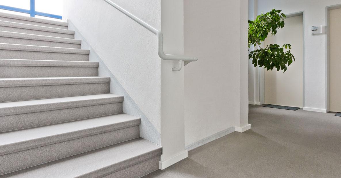 angebot elda jowi holz innenausbau gmbh dauerhafte treppenrenovierung. Black Bedroom Furniture Sets. Home Design Ideas