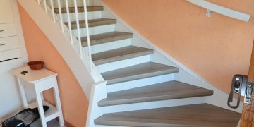 Renovierung Einer Treppe Mit Podest Und Wangen In Laminat Jowi
